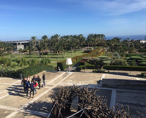 antropocene giardino con persone 1